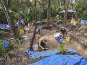 UNF Field School students working
